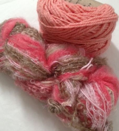 Magicball cowl - Strawberry shortcake with rose